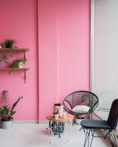 Decorating a rented apartment with a vibrant wall