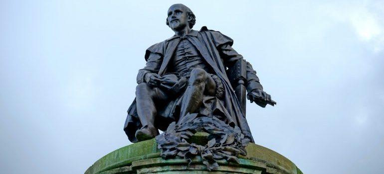 A statue of William Shakespeare.