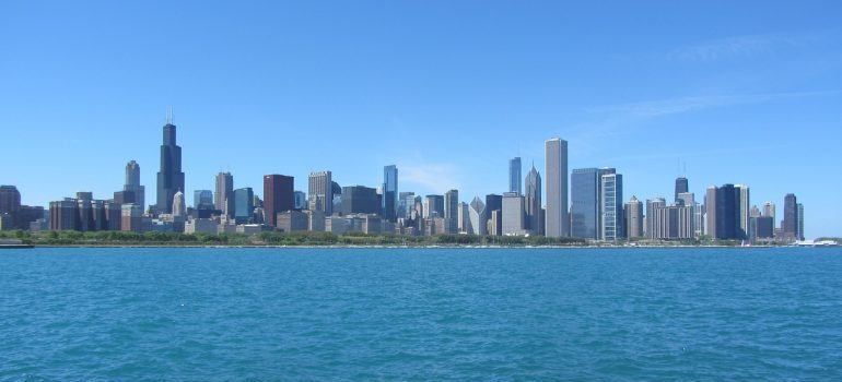 summer views are the best time of year to move to Chicago